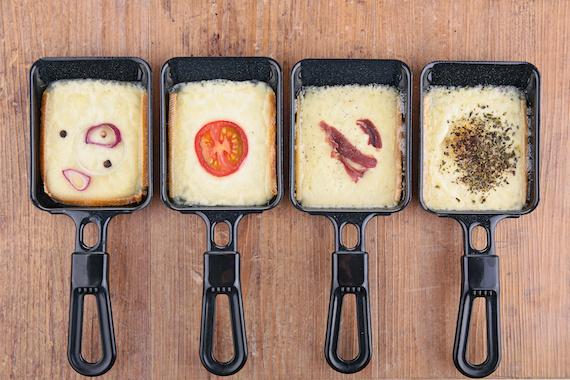 Raclette piment, fenugrec, timanoix, ail & fines herbes, moutarde, épices, ail des ours, truffes, échalottes, forestière