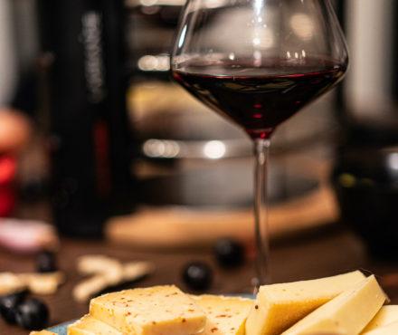 Vin, bière, spiritueux : que boire avec la raclette ?