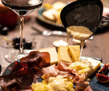 Comment bien cuire sa raclette : les secrets d'une raclette-party réussie