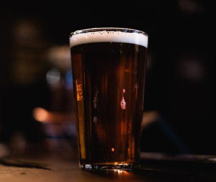 Quelles bières pour une raclette ? On vous dit comment choisir !